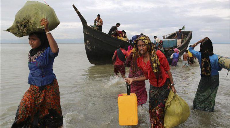 Bangladesh rethinks plan to move Rohingya refugees to island: Minister