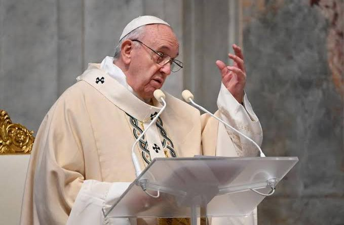 Pope, for first time, says China's Uighurs are 'persecuted'