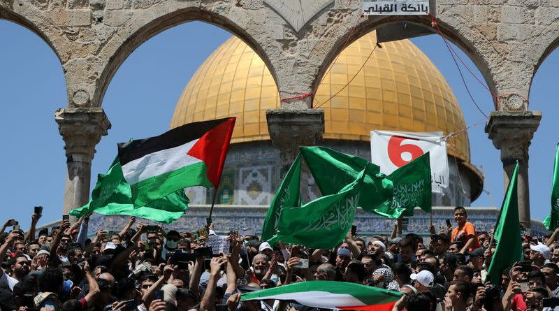 Israeli police, Palestinians clash at Jerusalem's Al-Aqsa, 59 hurt