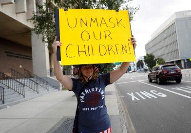 U.S. school masks debate erupts anew weeks before classes resume
